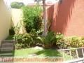 Casa en zona media de la Escalón con lindo jardín